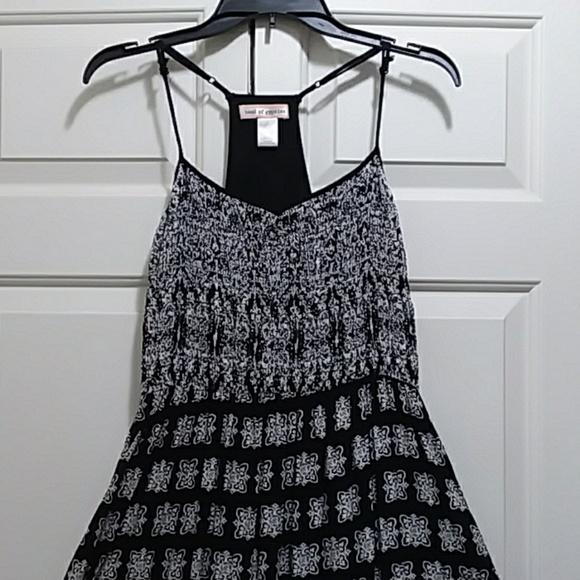 b39c624ac846 Band of Gypsies Dresses & Skirts - Band of Gypsies maxi T back dress black  white